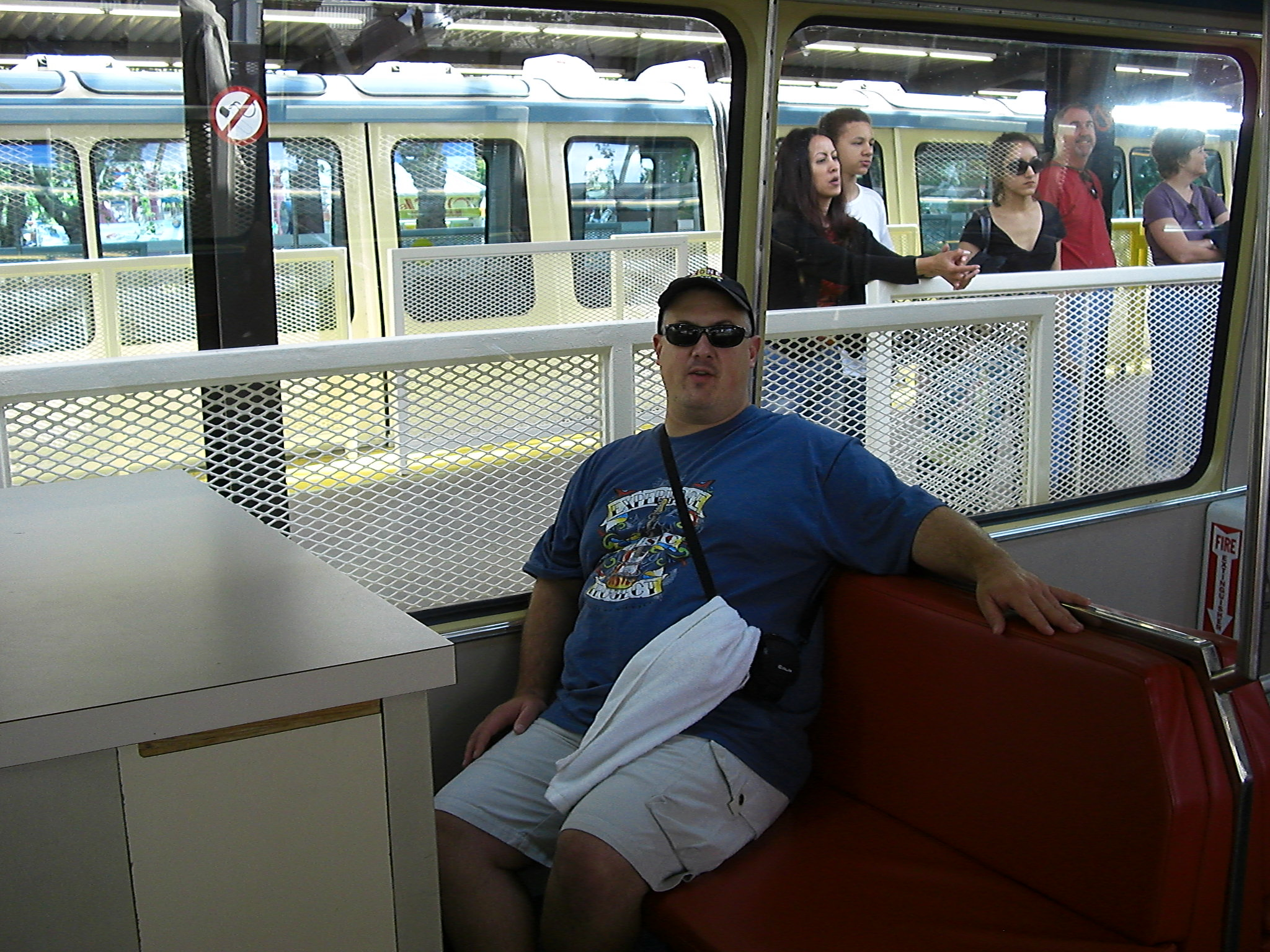 Iggy getting ready to leave the Seattle Monorail 2007