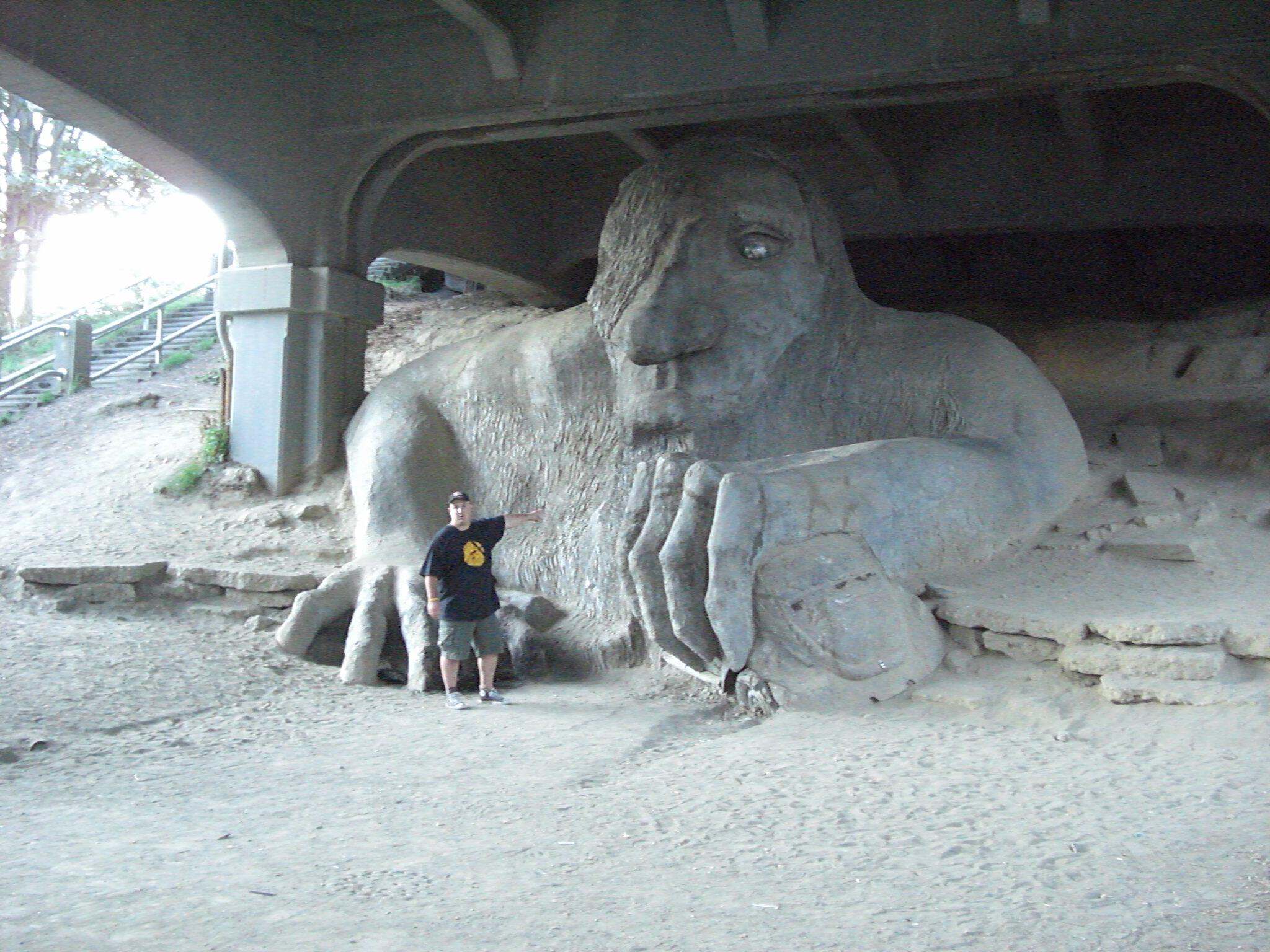Iggy with the Fremont Troll in Seattle 2007