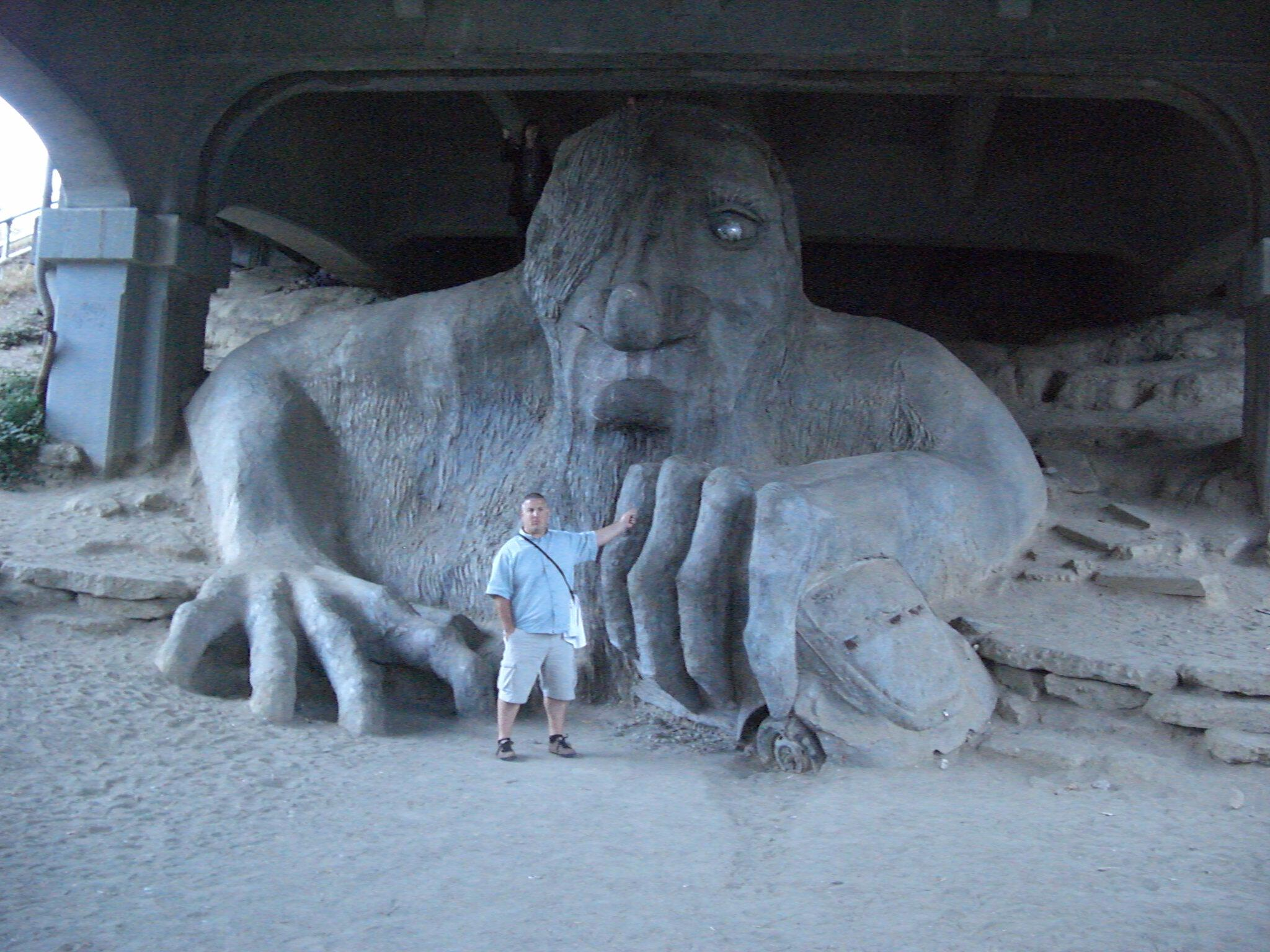 Iggy back at the Fremont Troll