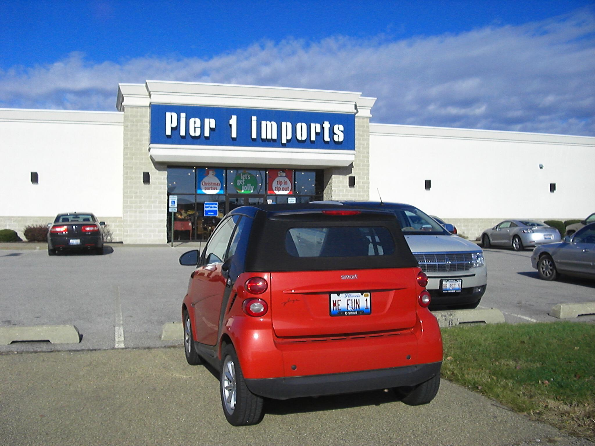 Smart car Pier 1 Imports Peoria Illinois