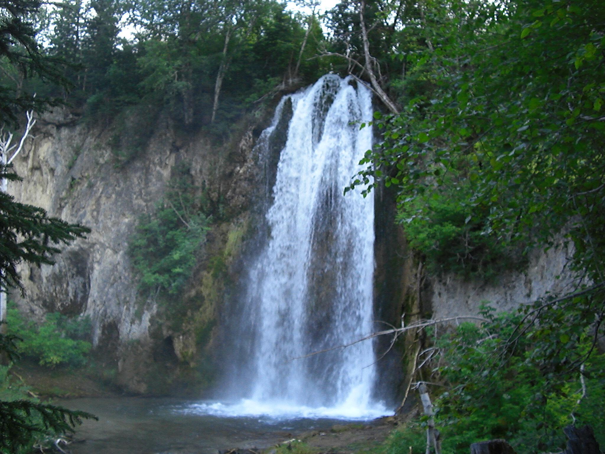 Spearfish Falls from the bottom of the canyon