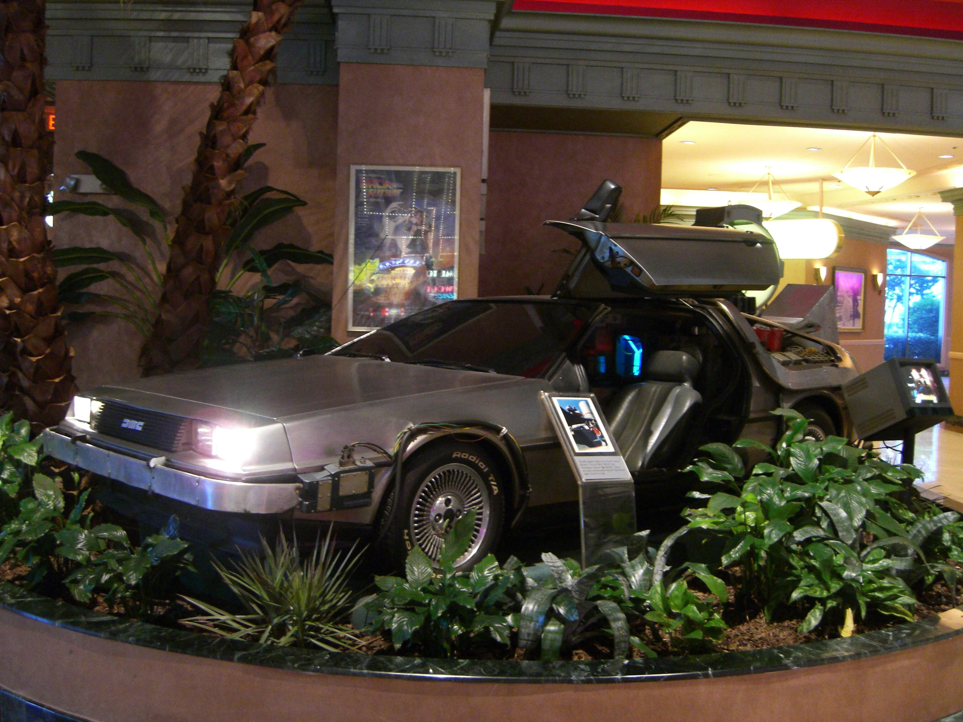 Back to the Future DeLorean studio reproduction - They are coming back